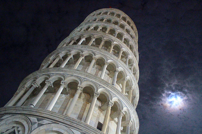pisa-tower-night