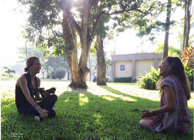 entrevistando a la cantante Debi Nova