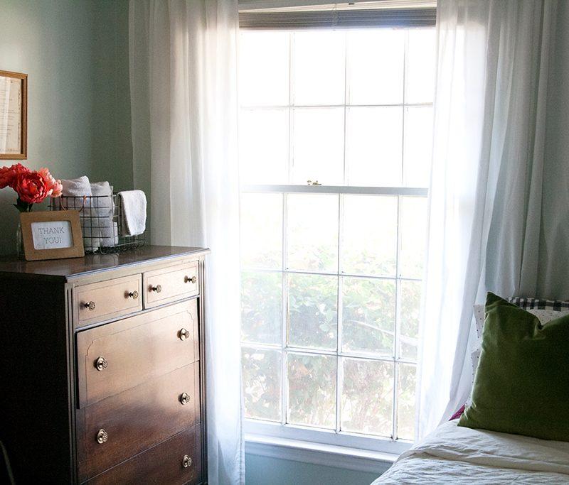 Mi casa es su casa features Miri Nadler