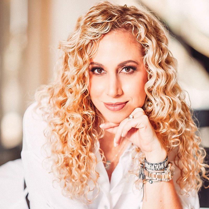 Episode 110: Jeannette Kaplun, Journalist, TV Host, CEO Hispana Global